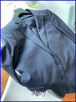 Armani Collezione Italian luxury gray stripe men's 2 piece suit size 38r 28x29