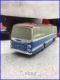 Corgi 36502 The Italian Job Three-Piece Mini Set Plus Red, Blue & White Coach